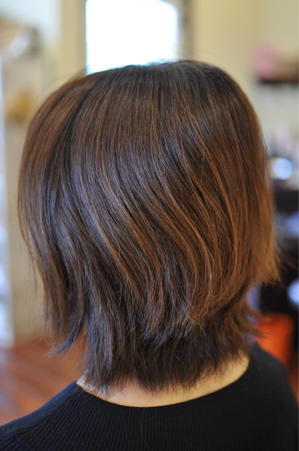 「直毛で硬い髪の毛のショートボブに毛先だけのゆるパー」 - 観音寺市 美容室 accha