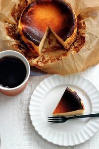 小嶋ルミさんの「バスク風チーズケーキ」 - Takacoco Kitchen