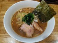 豚白湯にんにく醤油少しスープ濃くなりました(らーめん心繋:札幌市豊平区月寒東5の8:2019年21杯目) - eihoのブログ2