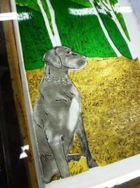 犬の絵付けパネル - atelier GLADYS  ステンドグラス工房 作り手の日々
