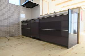食後の家事は食洗機に任せて、自由で豊かな時間を。★TOTO取付事例 - ミーレ・ショップ宮崎 PLEJOUR