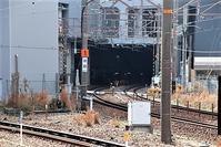 藤田八束の鉄道写真@新大阪駅はベスト写真撮影地、リゾート列車、在来線、貨物列車と多彩な列車が集まる、しかも写真が撮り易い - 藤田八束の日記