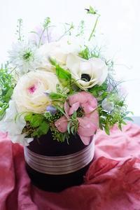 踊る草花のコンポジション - お花に囲まれて
