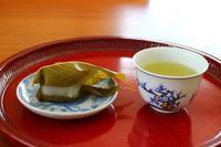 桜餅と蓬餅 - 満足満腹  お茶とごはん