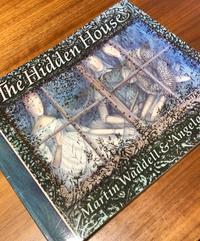 pecoraの本棚『The Hidden House 』 - 海の古書店