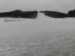 2月20日(水)天気/曇 気温/1℃ 積雪/55㎝ 風/なし 全面滑走可能 - 奥州市越路スキー場