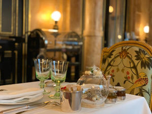 宿泊していないホテルで朝食を ~La Pagode de Cos, L'hotel La Reserve Paris ~ - おフランスの魅力