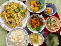 野菜のかき揚げ★(^^♪・・・・・700円ランチ - 日だまりカフェ
