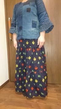絣の着物をほどいてスカートに - 紅い風
