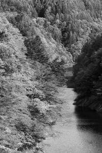 モノクロ風景鬼無里奥裾花渓谷 - 光 塗人 の デジタル フォト グラフィック アート (DIGITAL PHOTOGRAPHIC ARTWORKS)