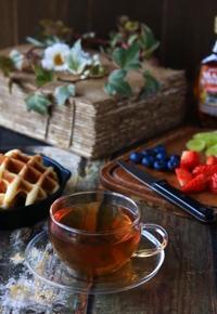 ワッフル&フルーツの朝ごはん - ゆきなそう  猫とガーデニングの日記