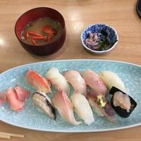 江戸前鶴鮨で真鶴の朝獲れ地魚のにぎりをいただく - たんぶーらんの戯言
