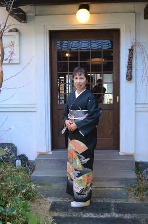 上品な黒留め袖を纏い、結婚式へ^^ - 16代目精進日記