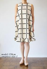 leur logette(ルールロジェット)のチェックフラワー刺繍ワンピース - jasminjasminのストックルーム