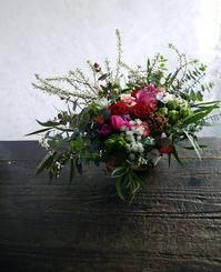 お母様の75歳のお誕生日にアレンジメント。「ピンク~赤系」。清田5条にお届け。2019/02/24。 - 札幌 花屋 meLL flowers
