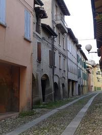 日曜日午後の路地裏 (Vicolo) - エミリアからの便り