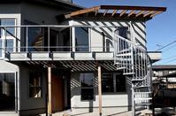 光あふれる屋外デッキ、バルコニーの魅力 - 自 然&建 築  Design BLOG