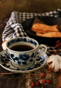 休日の夕暮れ時のコーヒーブレイク - ゆきなそう  猫とガーデニングの日記