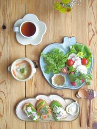 アボカドオープンサンドの朝ごはん - 陶器通販・益子焼 雑貨手作り陶器のサイトショップ 木のねのブログ
