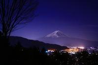 31年2月の富士(25)河口湖大橋の橋灯と富士 - 富士への散歩道 ~撮影記~