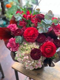 春の開店祝いのアレンジメント - ルーシュの花仕事