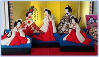 我が家の雛飾り(5)>必ず散らし寿司 - デジの目