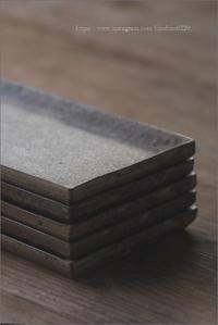 白灰化粧長方プレート - なづな雑記