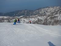 雪を求めて、北アルプス北端・白鳥山へ - 山にでかける日