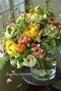 お誕生日に贈る春の花束。 - 花色~あなたの好きなお花屋さんになりたい~