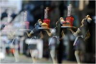 ウエイトレスのお通りだ - HIGEMASA's Moody Photo