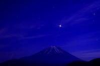 31年2月の富士(33)夜の本栖湖と富士 - 富士への散歩道 ~撮影記~