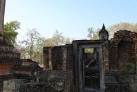 ワット・シーチュムに隣接する仏像 - TOM'S Photo