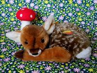 シュタイフの小鹿の縫いぐるみ - Der Liebling ~蚤の市フリークの雑貨手帖3冊目~