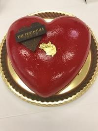ペニンシュラのワンホールケーキ - ソーニャの食べればご機嫌