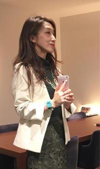 本日の「素敵だCOLOR」は、白系ジャケット。 - 色彩コンサルタント 松本千早のブログ REAL COLOR DREAM