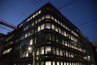 森田ビルディング - ブルーアワーの街の情景