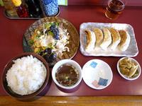 豚肉と木くらげの玉子炒めと焼き餃子 【茅ヶ崎まんぷく亭】 - ぶらり湘南