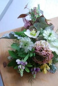 箕面郵便局前木花店内のフラワーレッスン2月のご報告 - 花と暮らす店 木花 Mocca