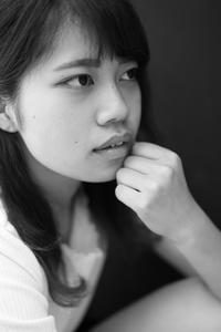 松村生未ちゃん3 - モノクロポートレート写真館
