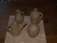 月窯陶芸作品の途中経過。ただいま作業製作中です! - 織月紅希の真っ赤な月窯ギャラリー