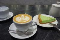 シンガポール2019 LUNAR Coffeeさんでラテとケーキ - *のんびりLife*