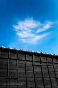 黒塀に雲あり - となりのフォトロ