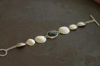 ゴールデンオブシディアンブレスレット - 石と銀の装身具