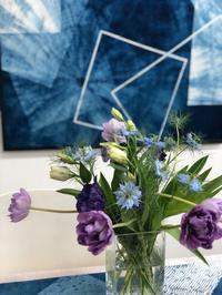 藍と花で奏でるハーモニー - 広島幟町 藍染とうつわのセレクトショップ あとりえしおんWEBだより