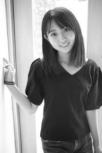 白井花奈ちゃん21 - モノクロポートレート写真館