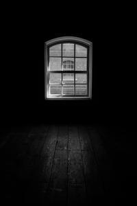 窓 - another eye