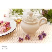 庭の花たちと薔薇のポットと珈琲とクッキーと - BEAN ART