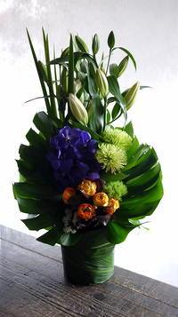 四十九日にアレンジメント。倶知安町山田に発送。2019/03/13着。 - 札幌 花屋 meLL flowers