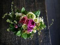 お誕生日の女性へアレンジメント。南1西7にお届け。2019/03/14。 - 札幌 花屋 meLL flowers