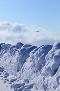 雪ってどんな色?~旭川空港~ - 自由な空と雲と気まぐれと ~from 旭川空港~